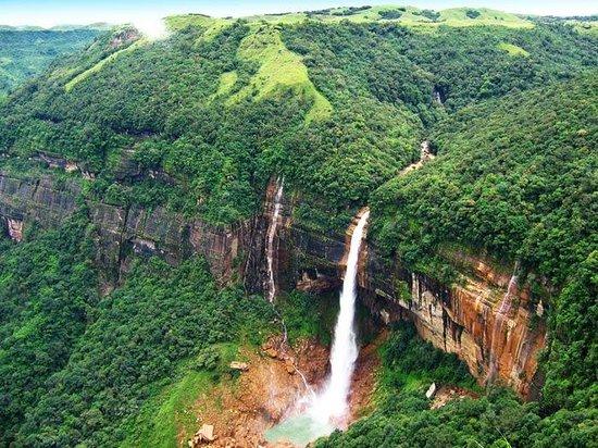 Best Honeymoon Destinations in India. Cherapunji